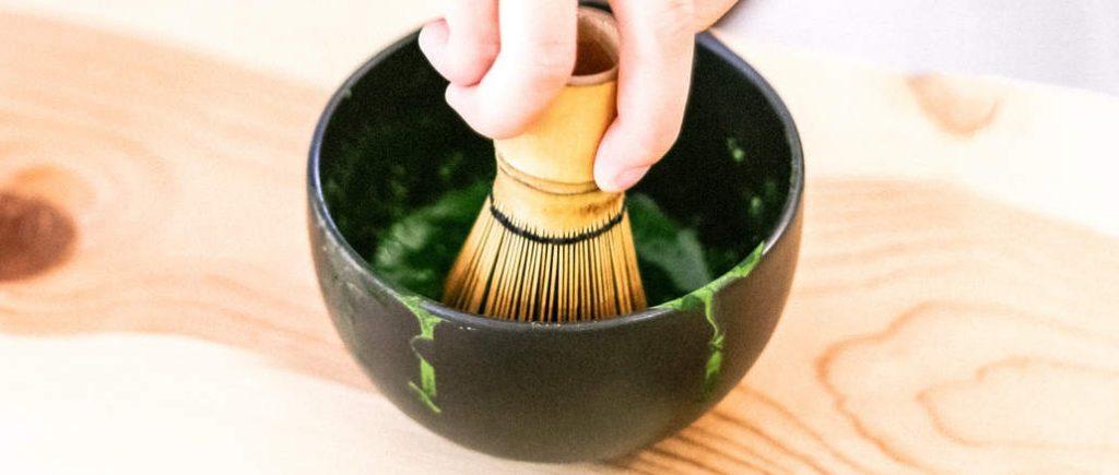 prepare matcha tea